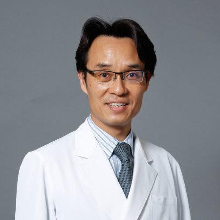 辻村先生顔写真
