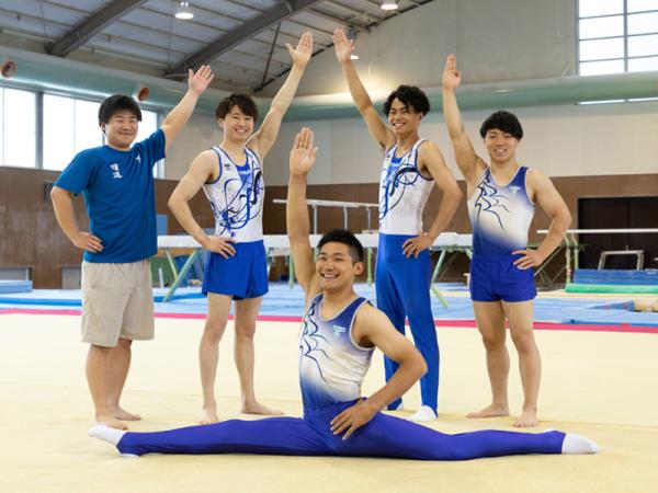 東海大学体操競技部の学生たちがボディトリマーを体験!